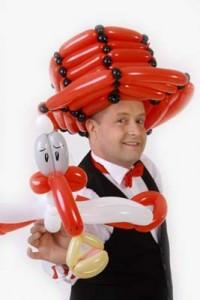 Ballonkünstler mit Luftballonfiguren