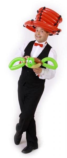 Ballonkünstler mit Schildkröte für Eröffnung, Tag der offenen Tür, Stadtfest, Sommerfest oder Frühlingsfest
